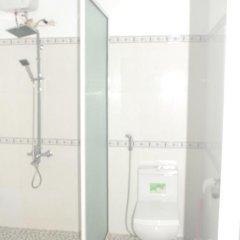 Отель De Vong Riverside Homestay Хойан ванная