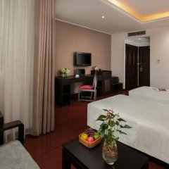 Quoc Hoa Premier Hotel 4* Номер Делюкс двуспальная кровать фото 5