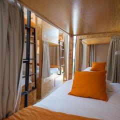 Passport Lisbon Hostel 2* Кровать в общем номере фото 4