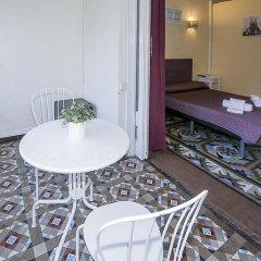 Отель Hostal Balmes Centro Стандартный номер с двуспальной кроватью (общая ванная комната) фото 8