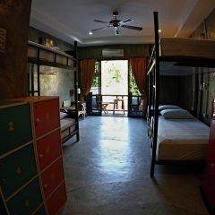 Narakarn Hostel Кровать в общем номере с двухъярусной кроватью фото 5