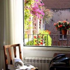 Отель Albergo Del Sole Al Biscione 3* Номер категории Эконом с различными типами кроватей фото 10