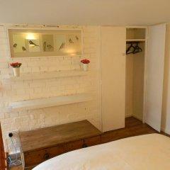 Отель Glenmore Suites Лондон сейф в номере