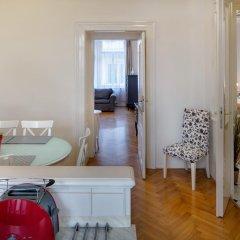 Апартаменты Old Town Square Premium Apartments Прага комната для гостей фото 5