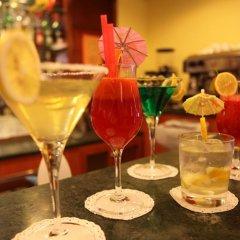 Отель Augusta Lucilla Palace гостиничный бар