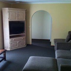 Отель Advance Motel 3* Апартаменты с различными типами кроватей