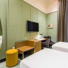 Отель Room Mate Giulia Стандартный номер с различными типами кроватей фото 10