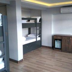 Отель Cheers Lighthouse 3* Кровать в общем номере с двухъярусной кроватью фото 17