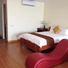 Отель Airport View Ханой сейф в номере