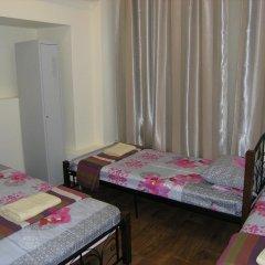 Хостел Радужный Кровать в общем номере двухъярусные кровати фото 3
