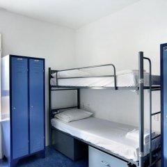 Hans Brinker Hostel Amsterdam Кровать в общем номере с двухъярусной кроватью фото 11