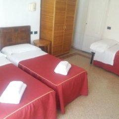 Отель Soggiorno Isabella De' Medici 3* Стандартный номер с различными типами кроватей (общая ванная комната) фото 2