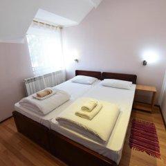 Апартаменты Apartments & Accommodation Stojic Нови Сад сейф в номере