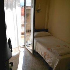 Отель Hostal Sant Sadurní Стандартный номер с различными типами кроватей фото 5