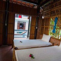 Отель Tra Que Flower Homestay Кровать в общем номере с двухъярусной кроватью фото 7