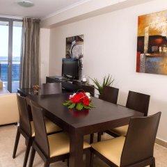 Отель Apartamentos del Mar - Adults Only Испания, Кальпе - отзывы, цены и фото номеров - забронировать отель Apartamentos del Mar - Adults Only онлайн комната для гостей фото 5