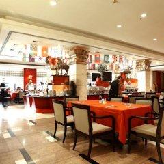 Отель Bell Tower Hotel Xian Китай, Сиань - отзывы, цены и фото номеров - забронировать отель Bell Tower Hotel Xian онлайн гостиничный бар