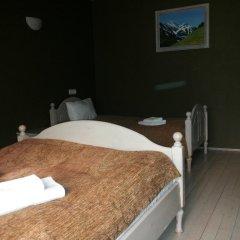 Гостиница 4 Peaks Guest House Стандартный семейный номер с двуспальной кроватью фото 8