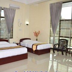 Lashio Galaxy Hotel 2* Номер Делюкс с различными типами кроватей фото 7