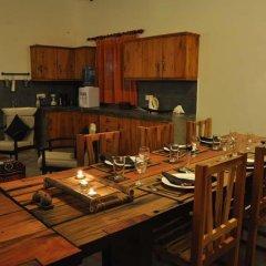 Отель Tissakumbura Holiday Home в номере