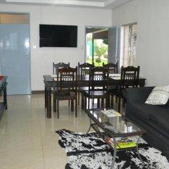 Отель Yana Bed & Breakfast Габороне питание