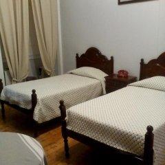 Отель Pensao Sao Joao da Praca 2* Стандартный номер с 2 отдельными кроватями (общая ванная комната) фото 2