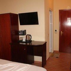 Отель Oskar 3* Стандартный номер с двуспальной кроватью фото 15