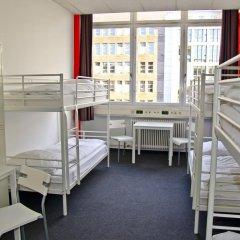 Check In Hostel Berlin Кровать в общем номере с двухъярусной кроватью фото 9