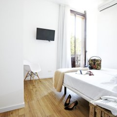 Отель Som Nit Born Стандартный номер с 2 отдельными кроватями