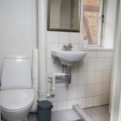 Отель Magstræde Central Apartment II Дания, Копенгаген - отзывы, цены и фото номеров - забронировать отель Magstræde Central Apartment II онлайн ванная