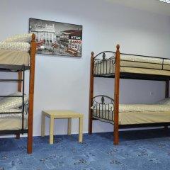 Славянка хостел Кровать в мужском общем номере с двухъярусными кроватями фото 9