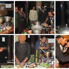 Отель Fireflies Hostel Непал, Катманду - отзывы, цены и фото номеров - забронировать отель Fireflies Hostel онлайн питание фото 2