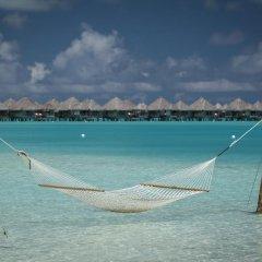 Отель The St Regis Bora Bora Resort пляж фото 3