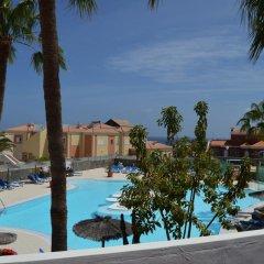 Отель Bahía Calma бассейн фото 2