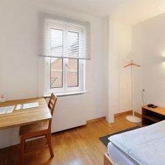 Hotel National Bern 2* Стандартный номер с различными типами кроватей (общая ванная комната) фото 3