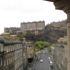Отель Doubletree By Hilton Edinburgh City Centre Эдинбург балкон