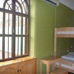 Envoy Hostel Кровать в общем номере с двухъярусной кроватью фото 5