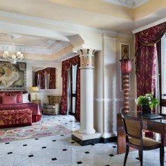 Baglioni Hotel Carlton 5* Номер Делюкс с двуспальной кроватью фото 10