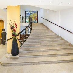Отель Globales Almirante Farragut Испания, Кала-эн-Форкат - отзывы, цены и фото номеров - забронировать отель Globales Almirante Farragut онлайн интерьер отеля