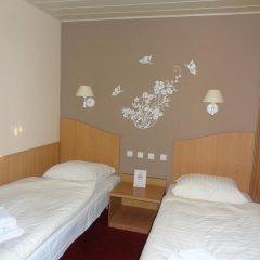 Hotel Atlantis 2* Стандартный номер с 2 отдельными кроватями фото 10