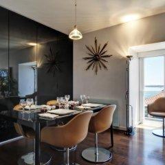 Отель Portuguese Living Chiado Penthouse гостиничный бар