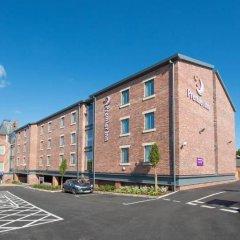 Отель Premier Inn Leek Town Centre парковка