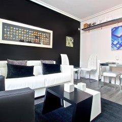 Апартаменты Habitat Apartments Latina гостиничный бар