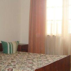 Гостиница База отдыха Искра в Анапе отзывы, цены и фото номеров - забронировать гостиницу База отдыха Искра онлайн Анапа комната для гостей
