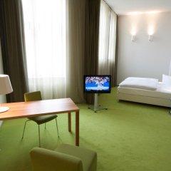 Отель Wyndham Garden Berlin Mitte 4* Стандартный номер с различными типами кроватей фото 4