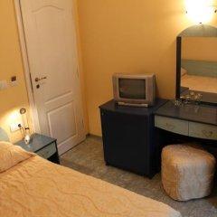 Отель Guest House Central Стандартный номер фото 9