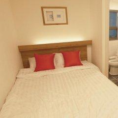 Отель STEP INN Myeongdong 1 3* Стандартный номер с двуспальной кроватью фото 4