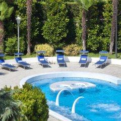 Отель Due Torri Италия, Абано-Терме - отзывы, цены и фото номеров - забронировать отель Due Torri онлайн бассейн фото 2