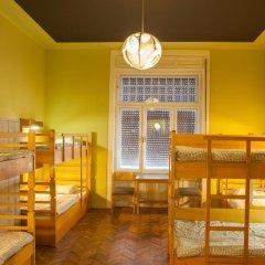 Treestyle Hostel Кровать в общем номере с двухъярусной кроватью