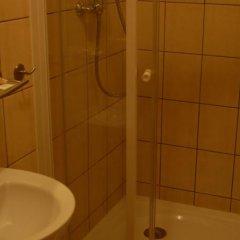 Отель Hostel Mleczarnia Польша, Вроцлав - отзывы, цены и фото номеров - забронировать отель Hostel Mleczarnia онлайн ванная фото 2